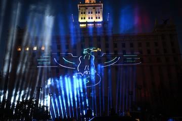 Свастика на стенах и «зигующий» Гитлер: челябинцам показали неоднозначное лазерное шоу