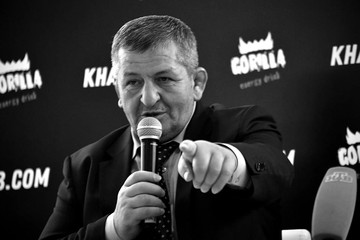 "Похороны Абдулманапа Нурмагомедова: ""Он будет покоиться рядом с отцом"""