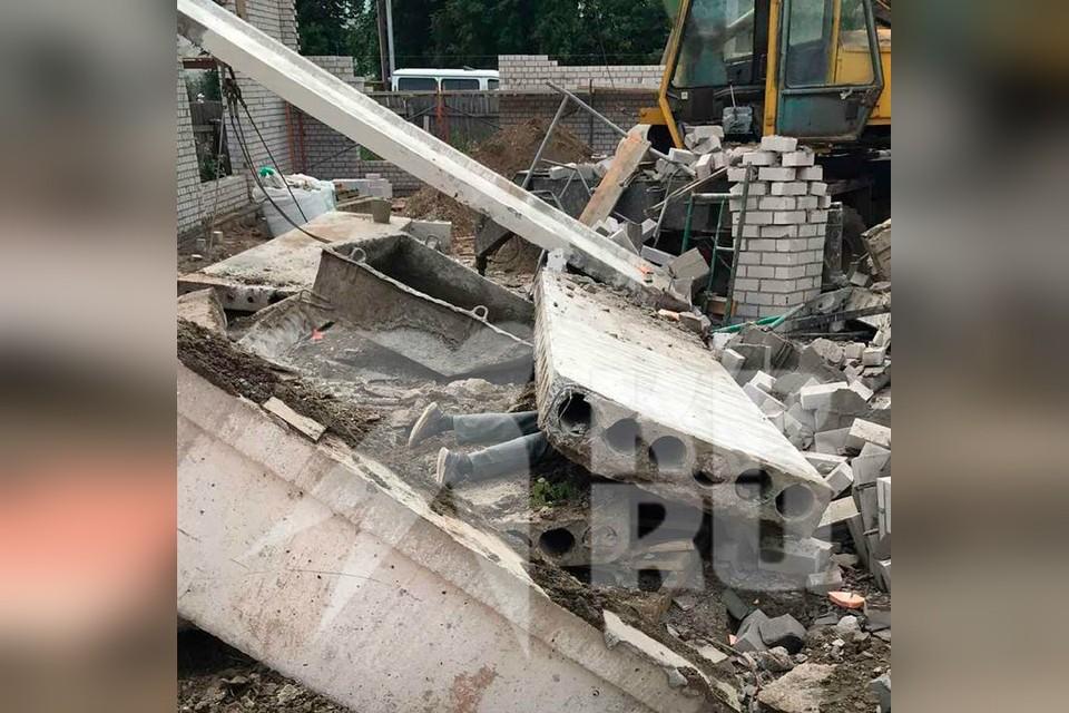 На стройке в Зуевке погибли три человека. Фото: предоставлено очевидцами