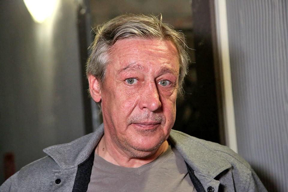 Михаил Ефремов находится на домашнем аресте.
