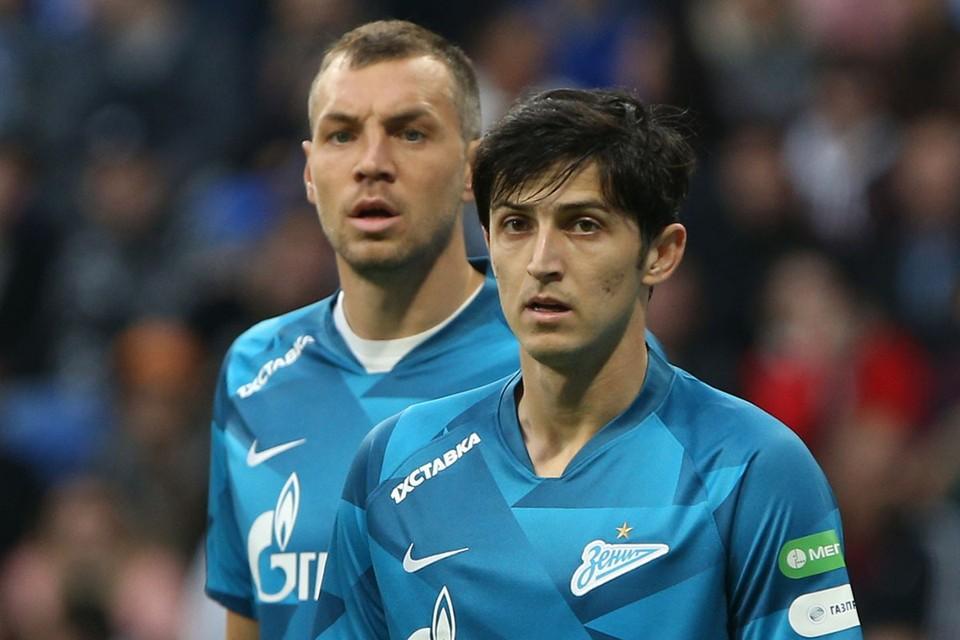 Артем Дзюба и Сердар Азмун. Фото: Михаил Александров/ТАСС