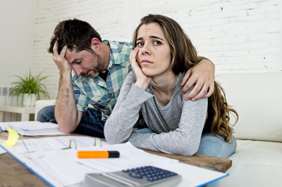 По данным ЦБ, сейчас 43% российских семей выплачивают кредит.