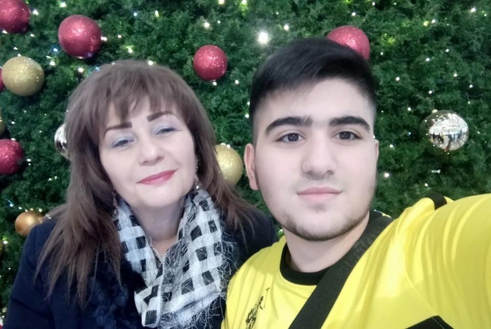 Мама с сыном вместе. Эти фото Ирина пересматривает каждый день. Фото: семейный архив.