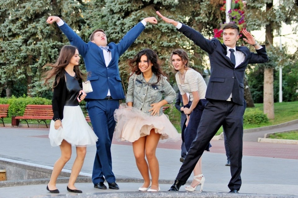 Выпускные вечера в школах Кузбасса пройдут 1 августа