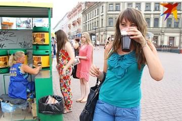 Продавцы разливного кваса в Минске жалуются, что им запрещают работать