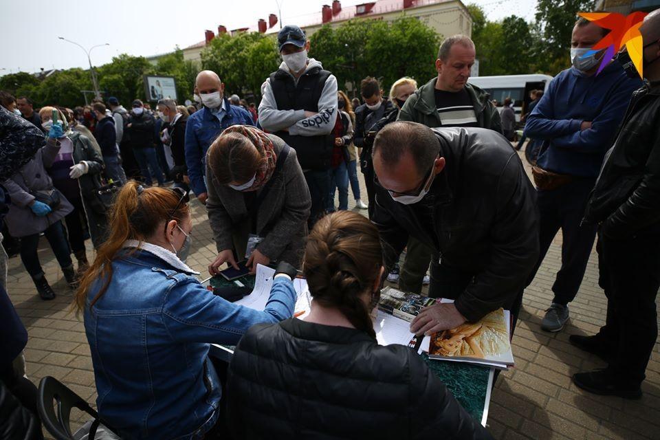 Каждый кандидат может иметь до 30 доверенных лиц - «Комсомолка» изучила списки.