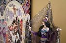 Хозяйка медной горы и модница-авиаторша: в самарской детской картинной галерее открылась уникальная выставка кукол