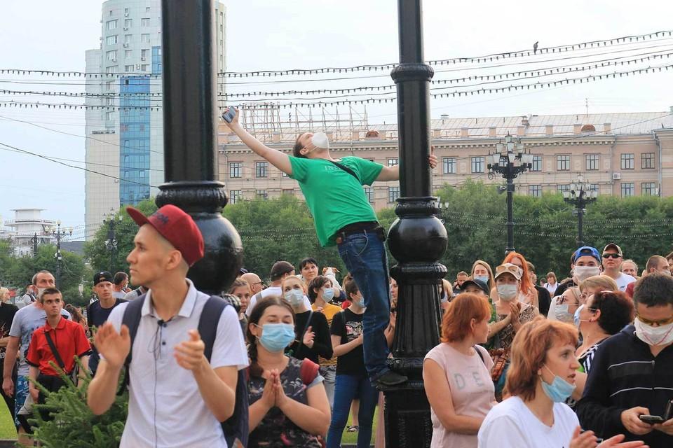 Хабаровск вышел на митинг, возмутившись арестом губернатора, а не его возможными преступлениями.