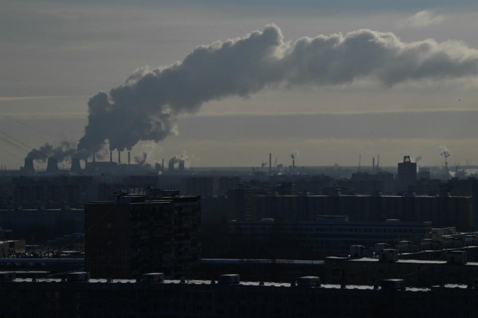 Жители через день жалуются на невыносимую вонь в Омске.