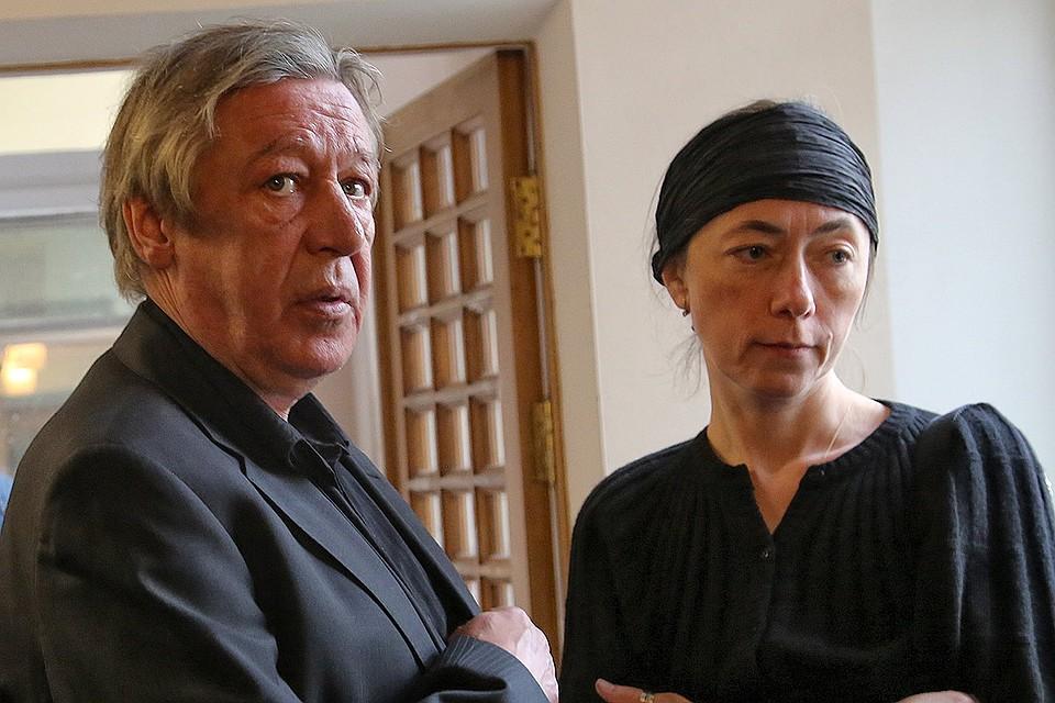 Михаил Ефремов с супругой Софьей.