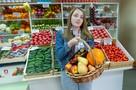 Забирают паспорт, обещают три тысячи рублей за смену: Как устроен бизнес магазинчиков у дома