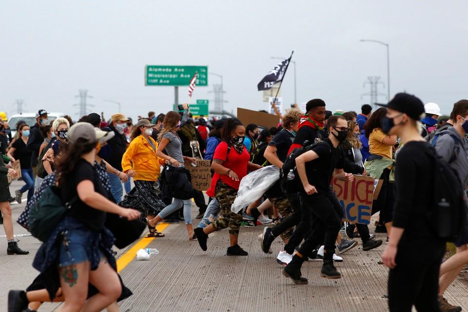 В Колорадо джип въехал в толпу протестующих