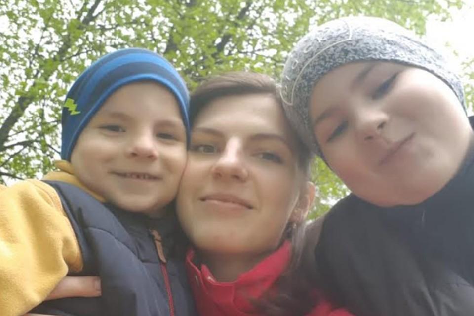 Ирина Бурдакова с сыновьями
