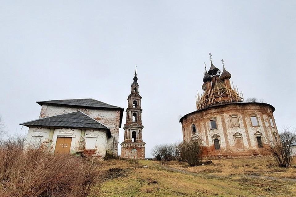 Энтузиасты хотят восстановить былое великолепие Казанского храма в селе Курба Ярославской области