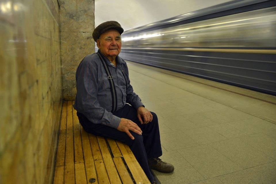 Последний портрет Василия Пескова сделан 6 августа 2013 года на станции метро «Динамо» его другом Сергеем Ждановым.