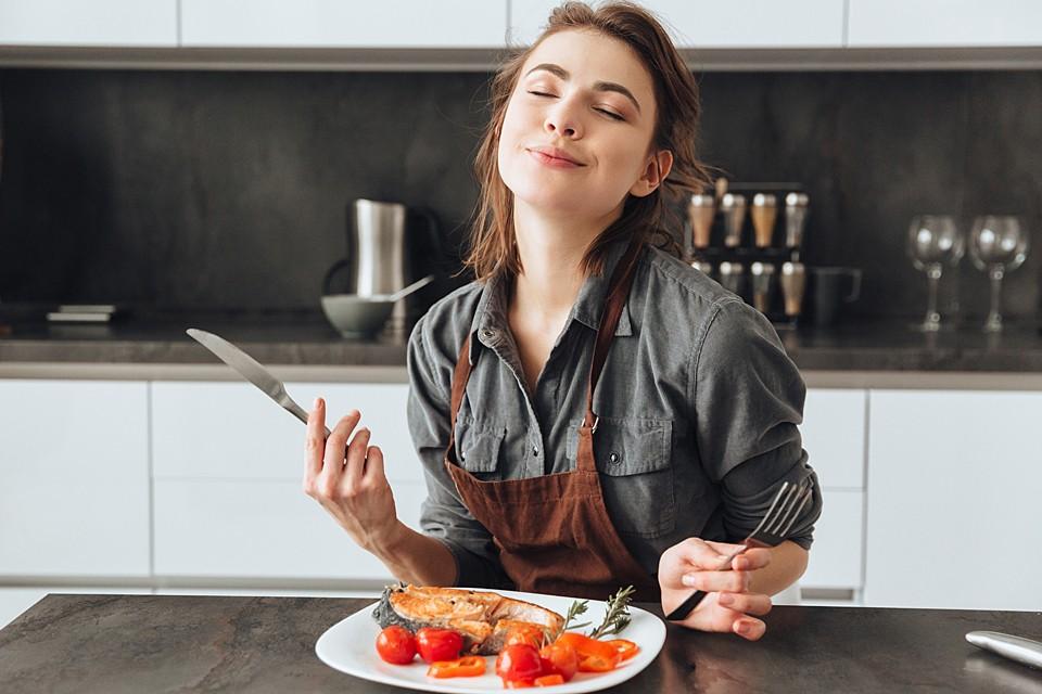 Для снижения холестерина важно не только выбрать правильный сорт рыбы, но и не испортить ее при готовке