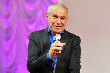 «Ефремов - под арестом, Гармаш ушел»: актер Современника рассказал про «аховую» ситуацию в театре