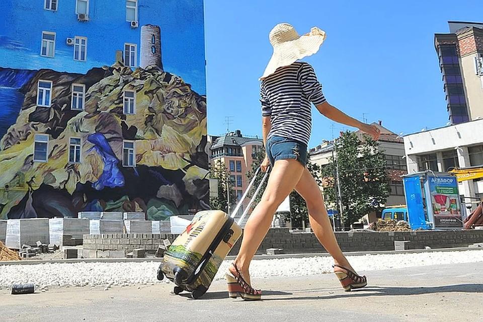 Осенью в России возможна вспышка коронавируса из-за возвращения туристов с курортов