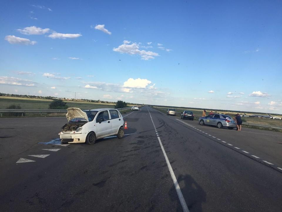 В Ростовской области произошло дородное происшествие, в котором пострадали три человека. Фото: УГИБДД России по РО.