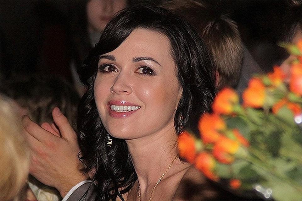 В окружении Анастасии Заворотнюк рассказали о том, как сейчас выглядит одна из самых эффектных российских актрис