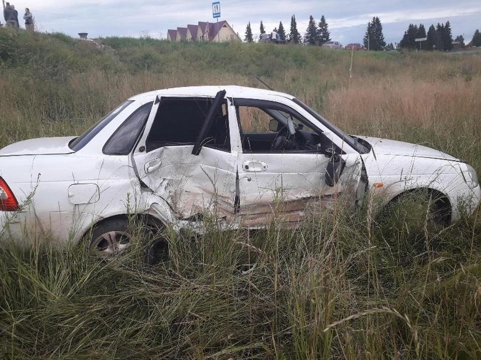 Водитель ВАЗа пострадал после столкновения.