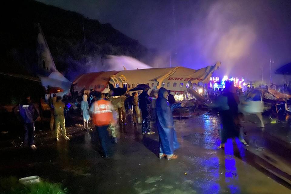 Потерпевший крушение самолет в Индии был вывозным рейсом из ОАЭ. Фото: Twitter