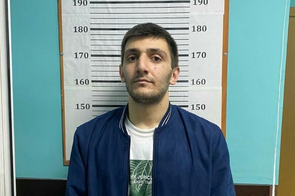 21-летний Мансур давно известен полиции по пальбе из автомата и быстрой езде. Фото: ГУ МВД России по Санкт-Петербургу и Ленобласти