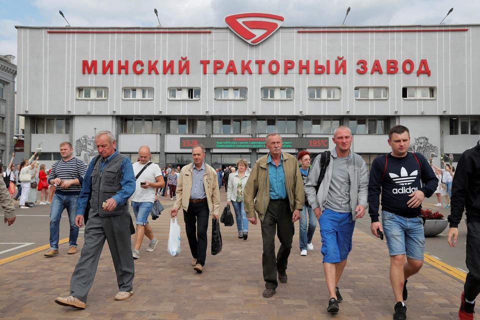 Работники МТЗ выдвигаются на улицы Минска 14 августа.