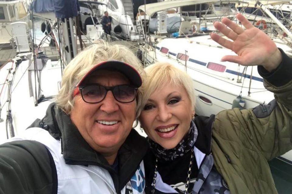 Замуж Валентина вышла в июле в Сочи, куда Фирсов приплыл на чужой яхте из Турции