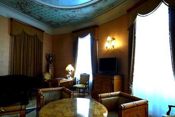 Экскурсии по гостиницам Москвы: смотрим номер Ленина и «президентский» за 960 тысяч рублей за ночь