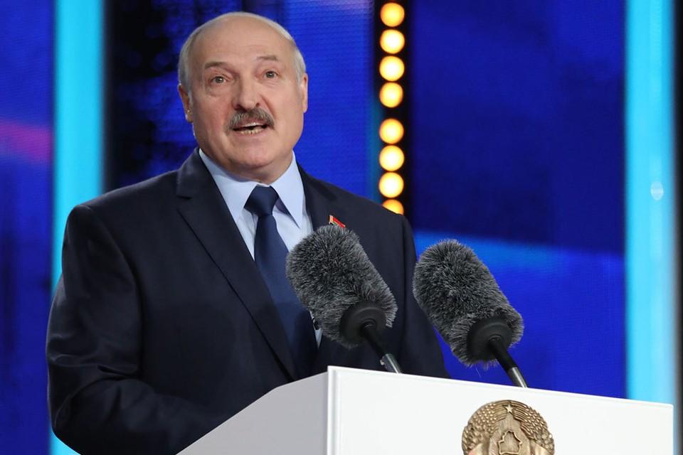 Президент Белоруссии заявил о готовности вести диалог с трудовыми и студенческими коллективами, а не с улицей