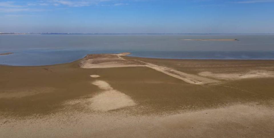 Краснодарское водохранилище рекордно обмелело. Видео С.В. Петренко