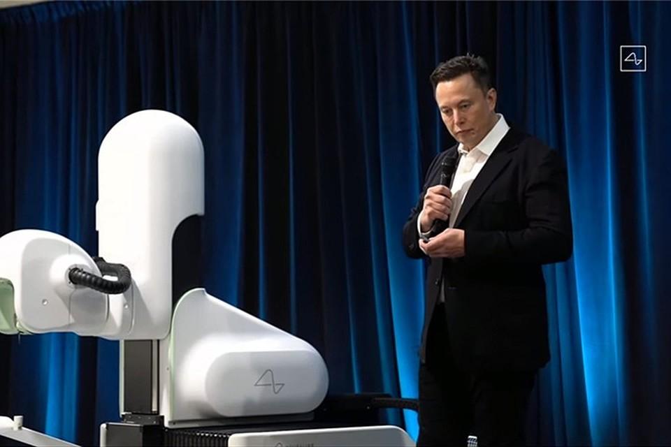 Компания Илона Маска Neuralink занимается разработкой интерфейса, который может напрямую соединить мозг и компьютерное железо