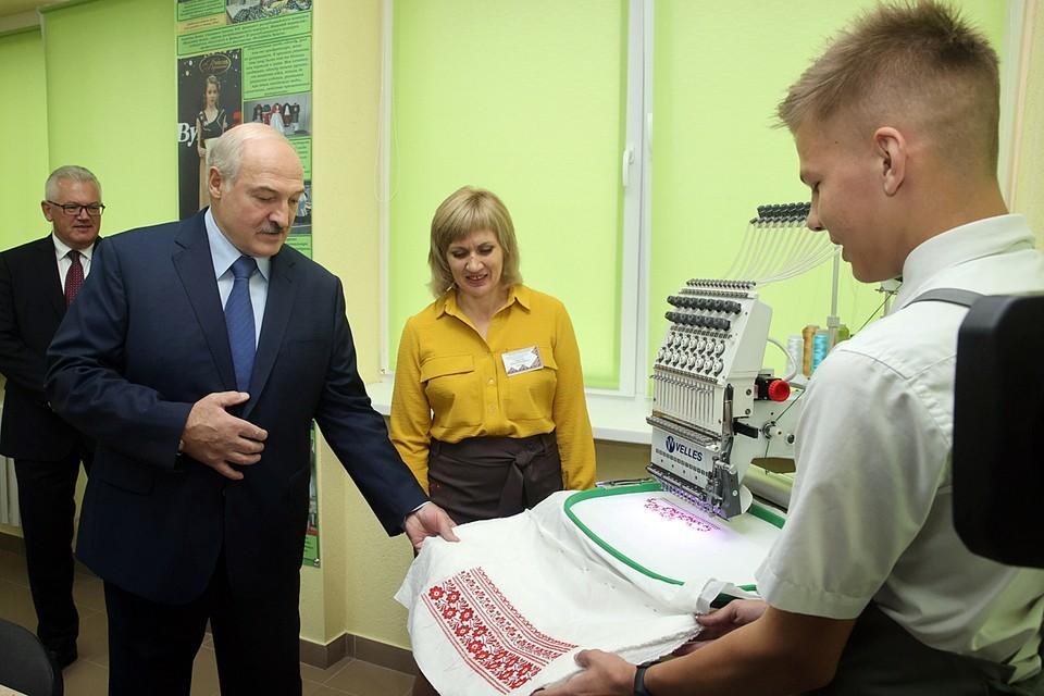 Александр Лукашенко в Барановичском профессионально-технологического колледжа