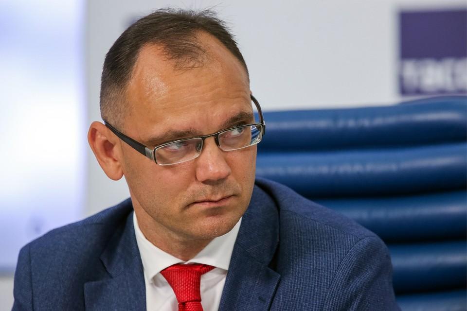 Дмитрий Глушко на Радио «Комсомольская правда» расскажет о первой учебной неделе. Фото: Владимир Гердо/ТАСС