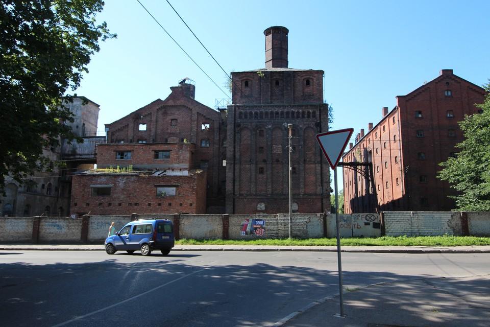 Пока исторические здания выглядят так.