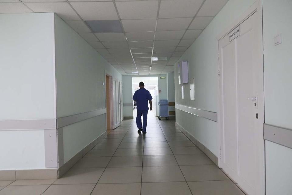 Лечение продолжают 927 человек
