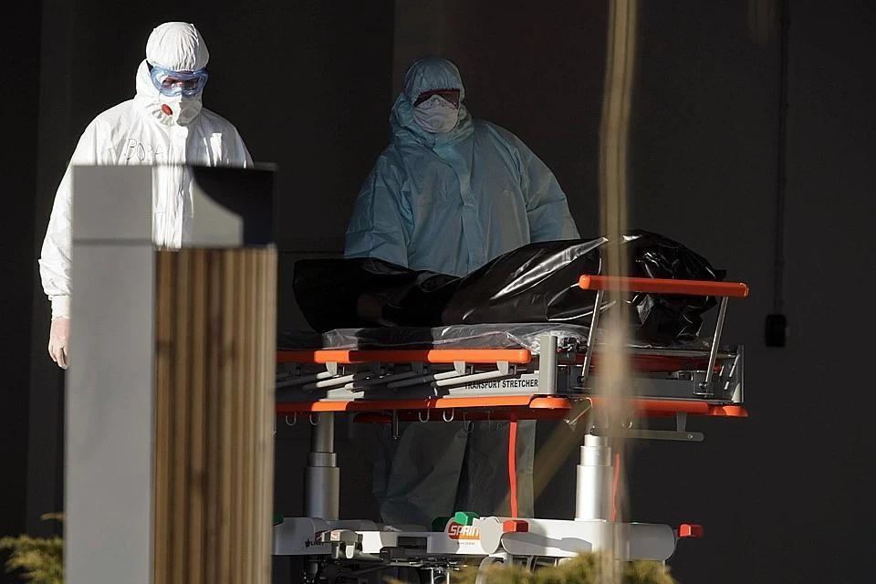 Число жертв коронавируса в мире превысило 900 тысяч