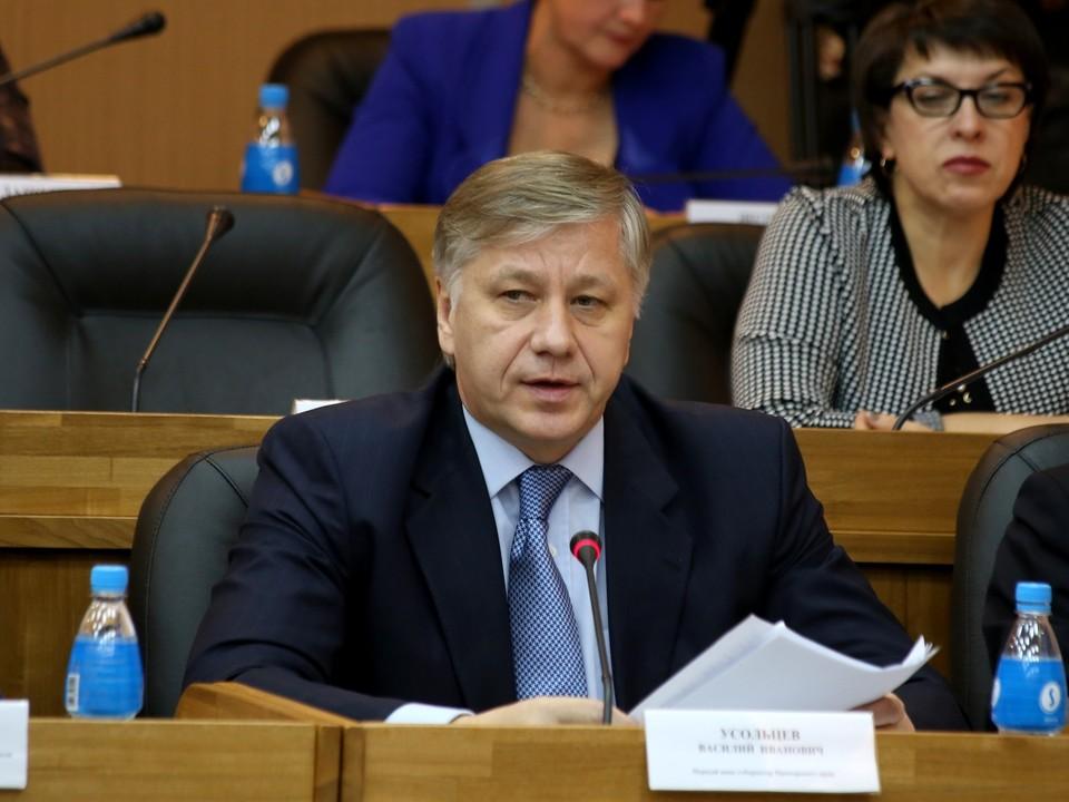 Василий Усольцев на заседании приморского парламента в 2014 году. Фото: пресс-служба ЗС ПК