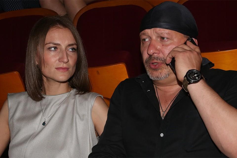 Актер Дмитрий Марьянов с супругой Ксенией в 2017 году.