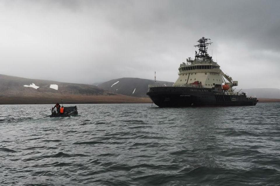 """Ледокол """"Илья Муромец"""" сейчас находится в арктических водах. Фото: Северный флот"""