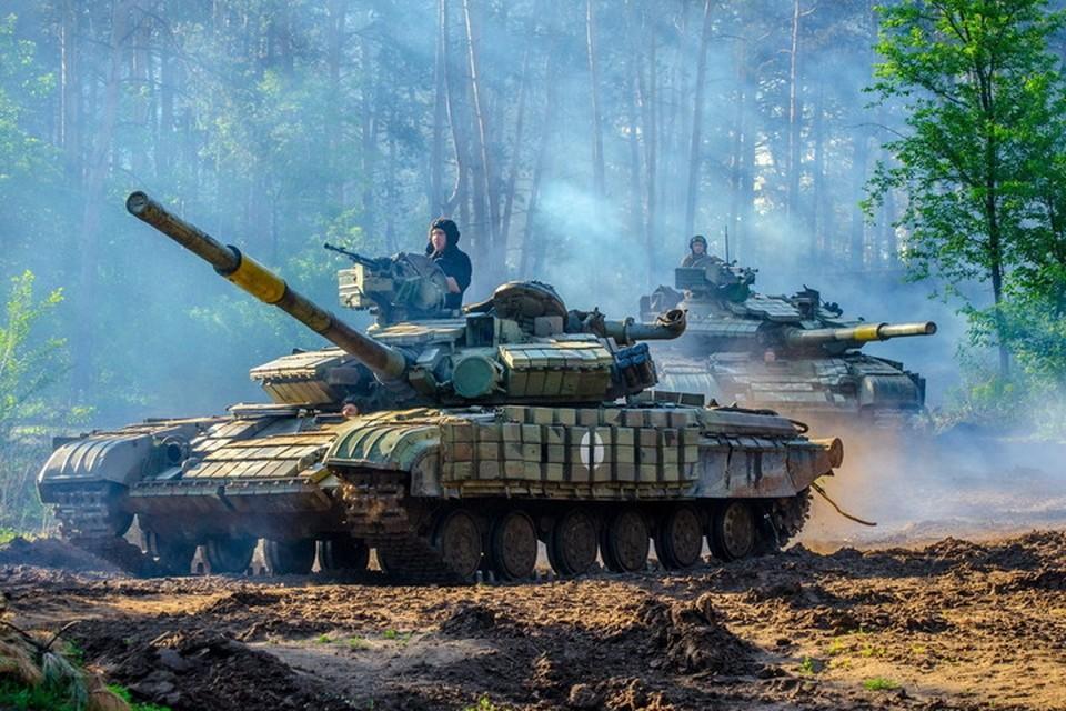 В Донбассе для украинских военных надо ежедневно сотни тонн дизтоплива. Фото: Пресс-центр штаба ООС