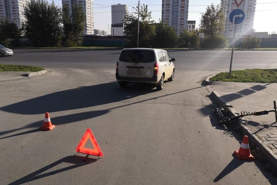 Две девочки попали на электросамокате под машину. Фото: ГИБДД Новосибирска