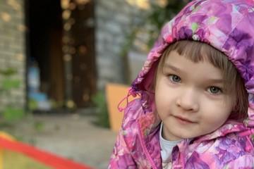 «Глотаю слезы, видя, как она пьет горсть таблеток»: самарчанка молчит о страшном диагнозе дочери