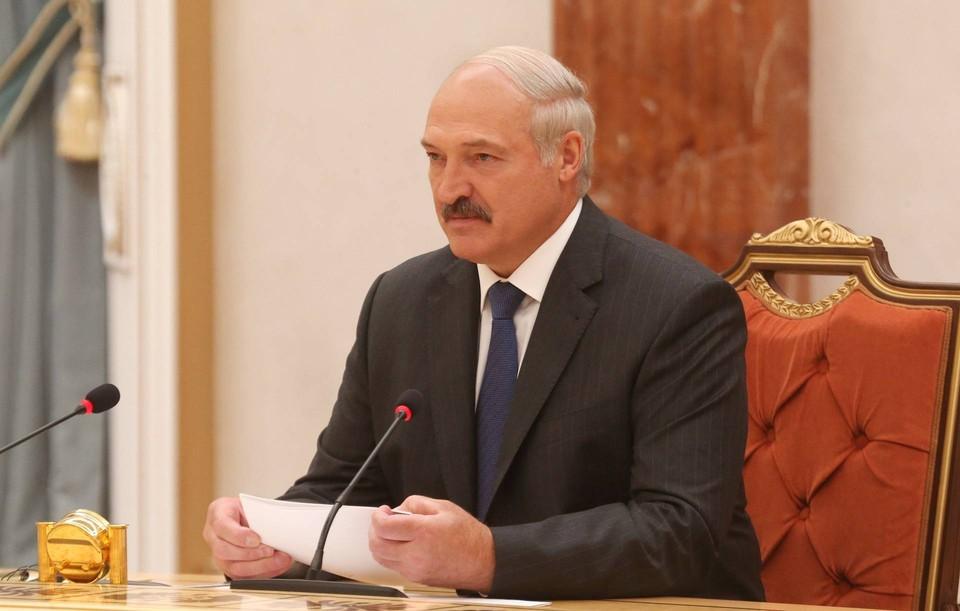 Лукашенко попросил президента России поспособствовать поставке в республику новых видов оружия