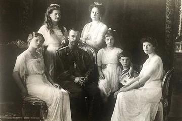 Ленина околдовали, а Николая II играет Супермен: в США сняли фильм-небылицу о царской семье