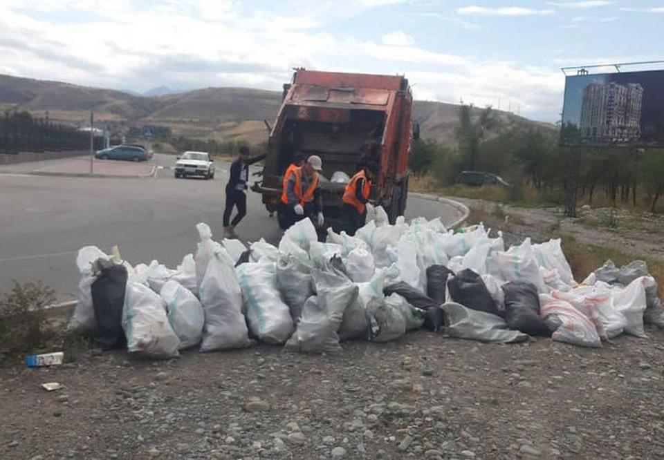 11 тонн мусора собрали в Бишкеке на Всемирный день чистоты.