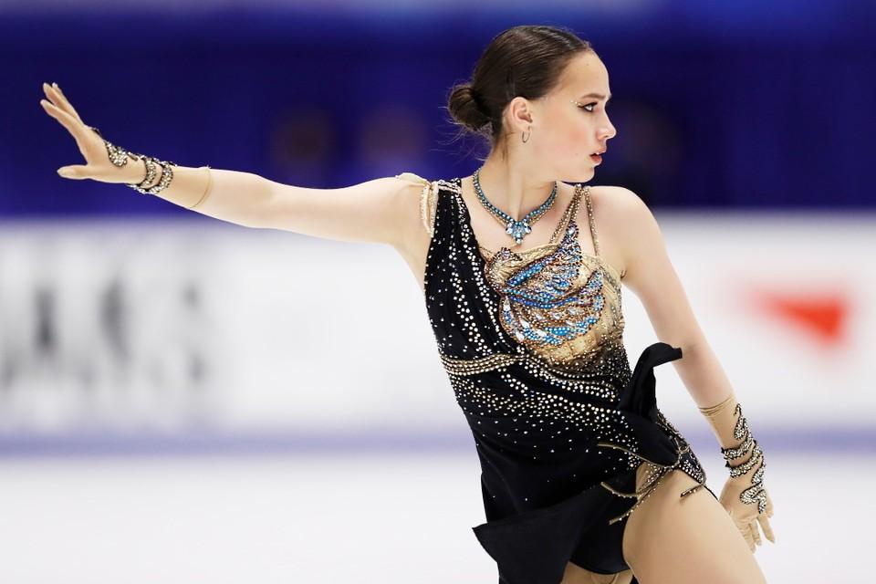 Алина Загитова пока что не выходила на лед на соревнованиях с декабря 2019 года.