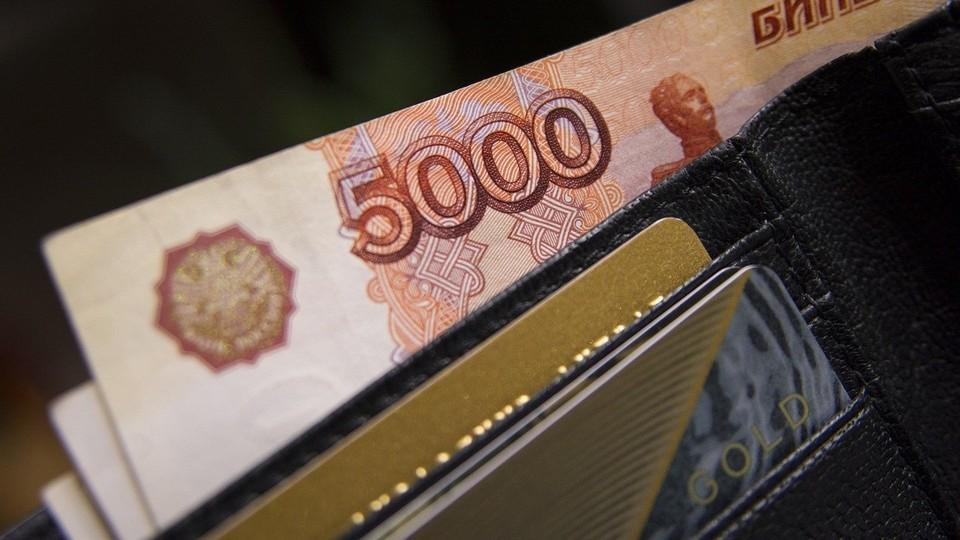Пытаясь сохранить сбережения, житель Ноябрьска лишился более 55 тысяч рублей