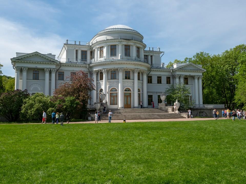 """Летняя """"жара"""" придет в Петербурге в ближайший четверг."""